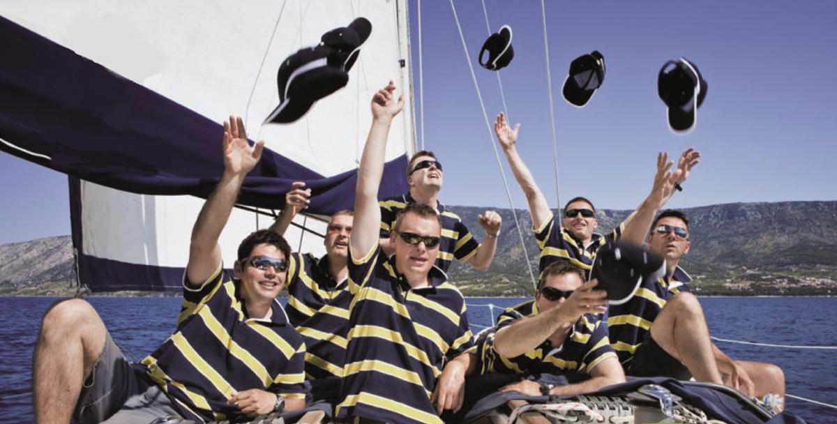 Team-building-in-barca-a-vela